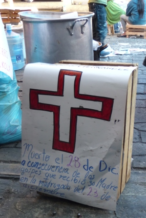 Tribute to baby Jesús at the new Triqui camp