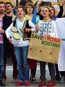 London protest against Romanian mining