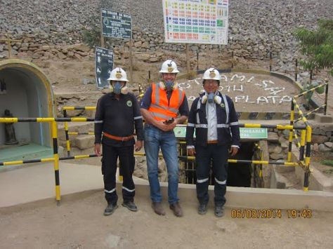 Photo: Alan Frampton (middle), of UK-based Cred Jewellery, with Sotrami miners in Peru. Photo courtesy of Alan Frampton